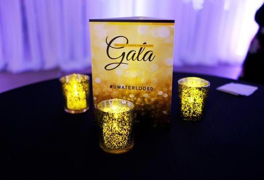 Gala table centre