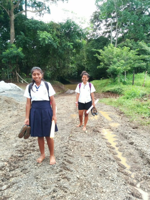 children from Panama preparing to cross the bridge