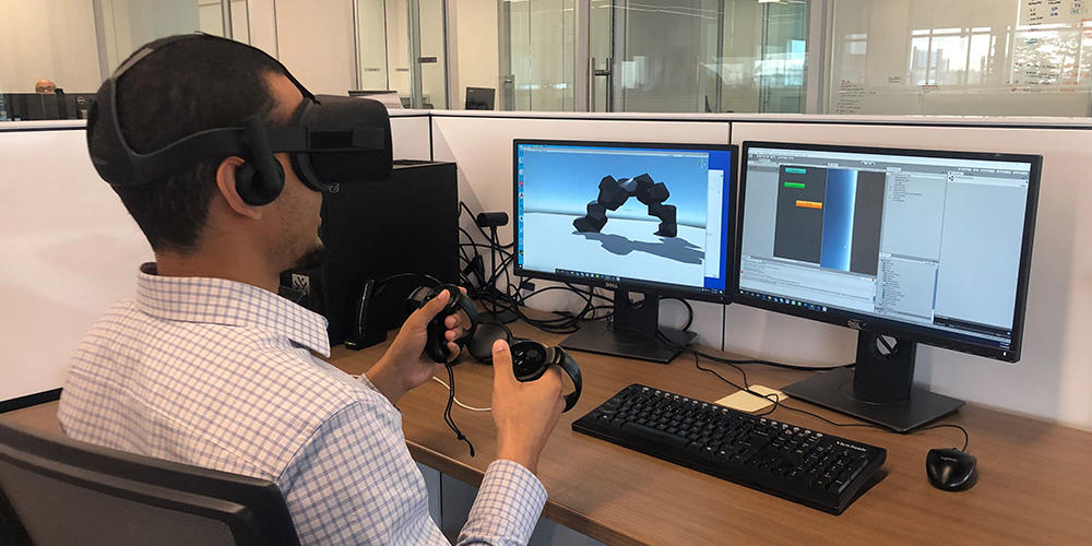 coop student using virtual reality