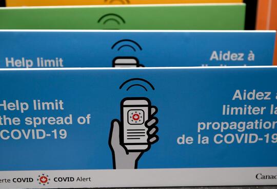 Covid-19 alert app sign