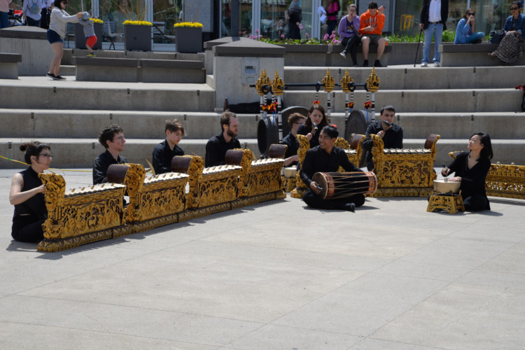 balinese gamelan performance ensemble