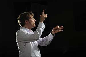 Mark Vuorinen conducting