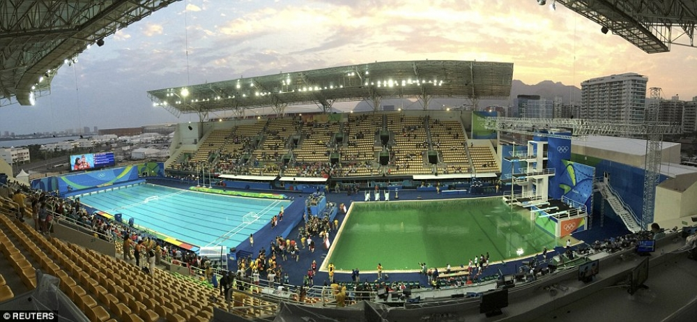 Olympic pools in Rio show two different colors: clear blue and bright green.