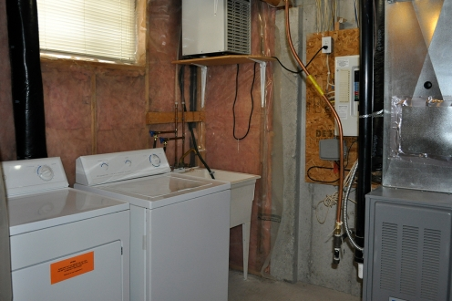 Columbia Lake Village North laundry room