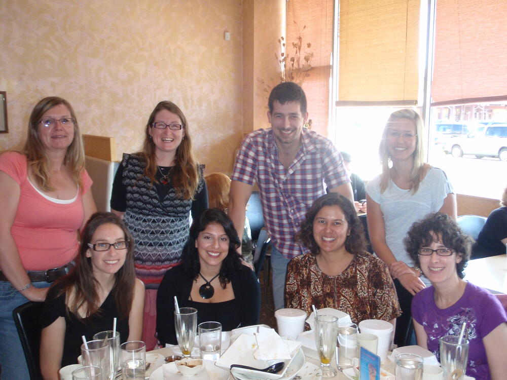 Fernandes' lab group outing photo