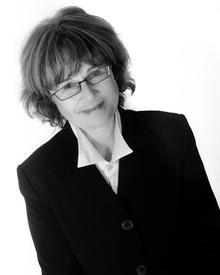 Lisa O'Connell Headshot