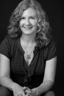 Rebecca Burton Headshot