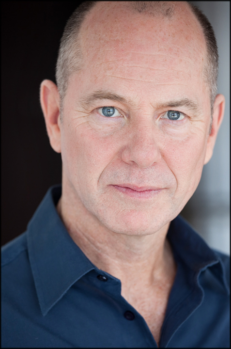 Head and shoulder photo of Stewart Arnott