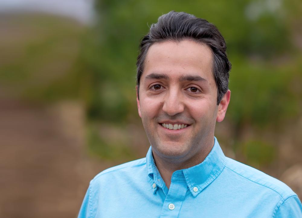 photo of Dr.Ali Abedi
