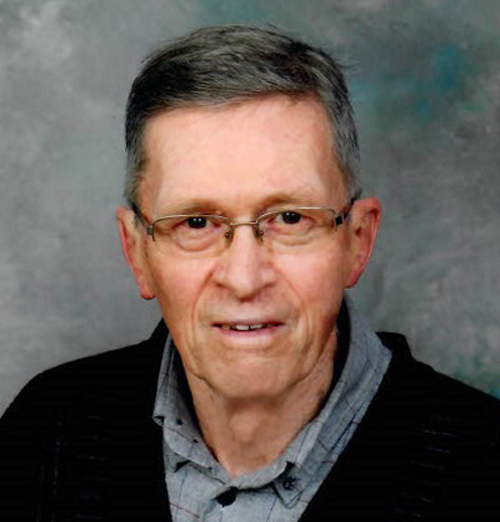 photo of Professor Emeritus Bruce Simpson