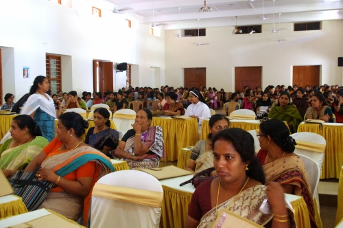 An audience of Indian women at the conference
