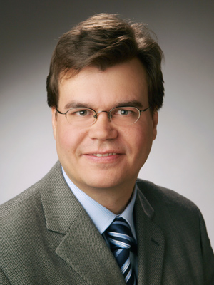 Head shot of Dr. Florian Kerschbaum