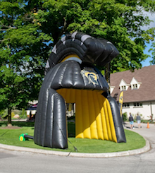 An inflatable Warriors helm at the country club.