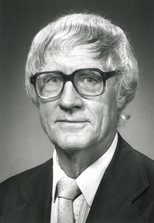 Bob Whitton in 1989.