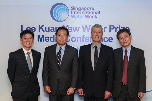 Prof. John Cherry with Singapore Water Week officials.