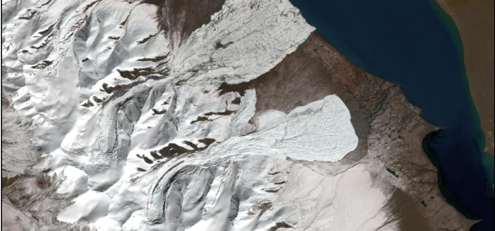 LANDSAT-8 image (obtained October 14, 2016) of the July (upper) and September (lower) glacier collapses in Western Tibet.