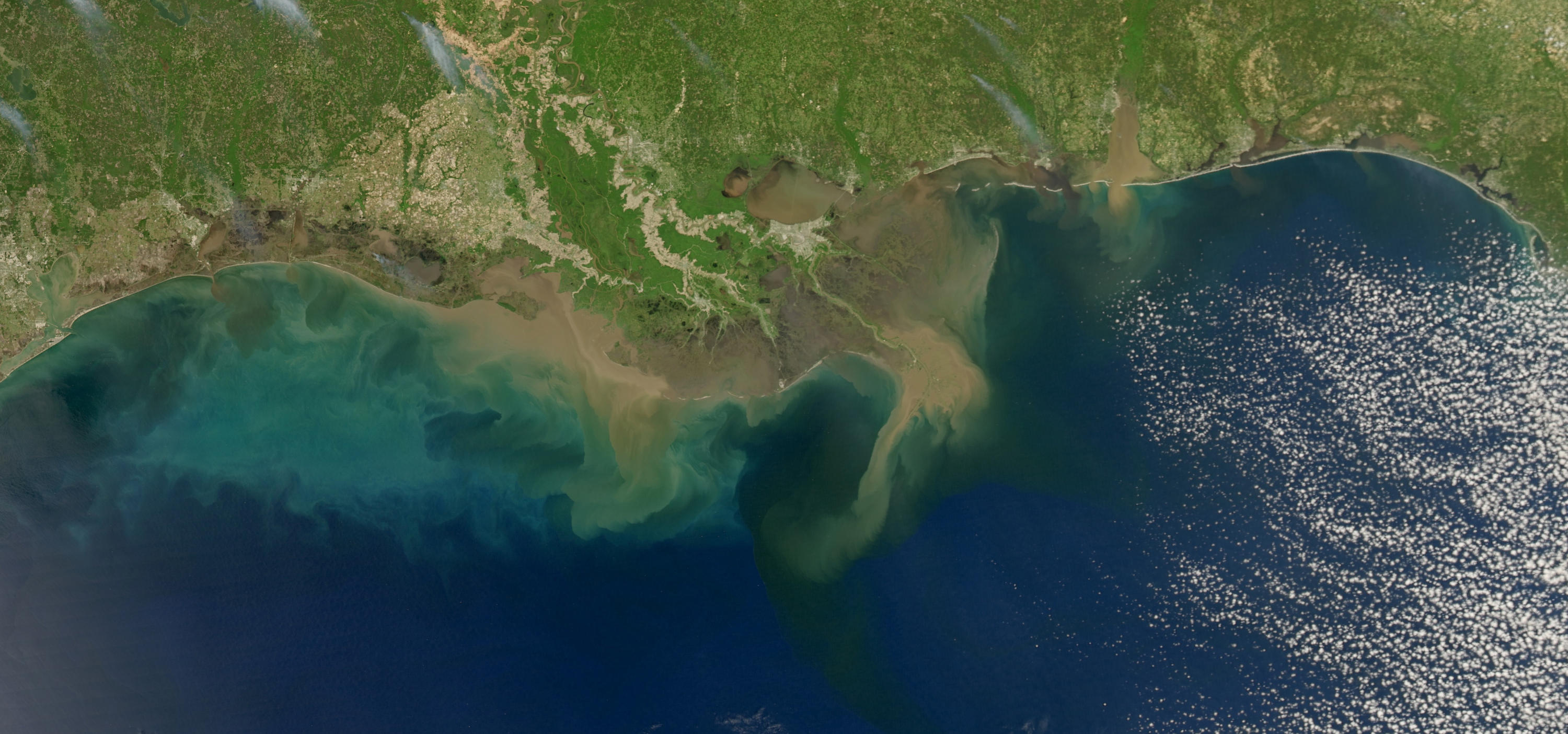 Satellite image of the northern Gulf of Mexico in April 2009. Image credit: NASA.