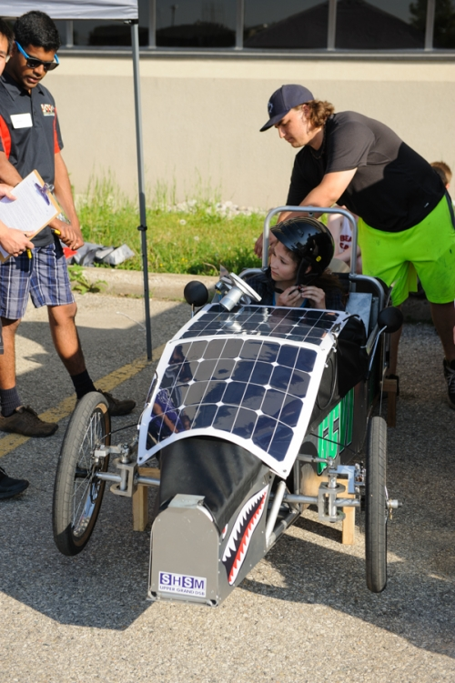 Guelph's car with solar panels on top of its body