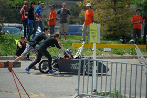 SJAM pushes their car into the pits