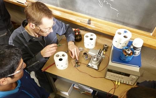 Neil Griffet fixing motor.