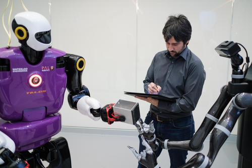 Specialist monitoring robot interaction
