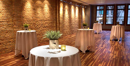 Divino Wine & Cheese Bistro (image of the private Spirits Room)