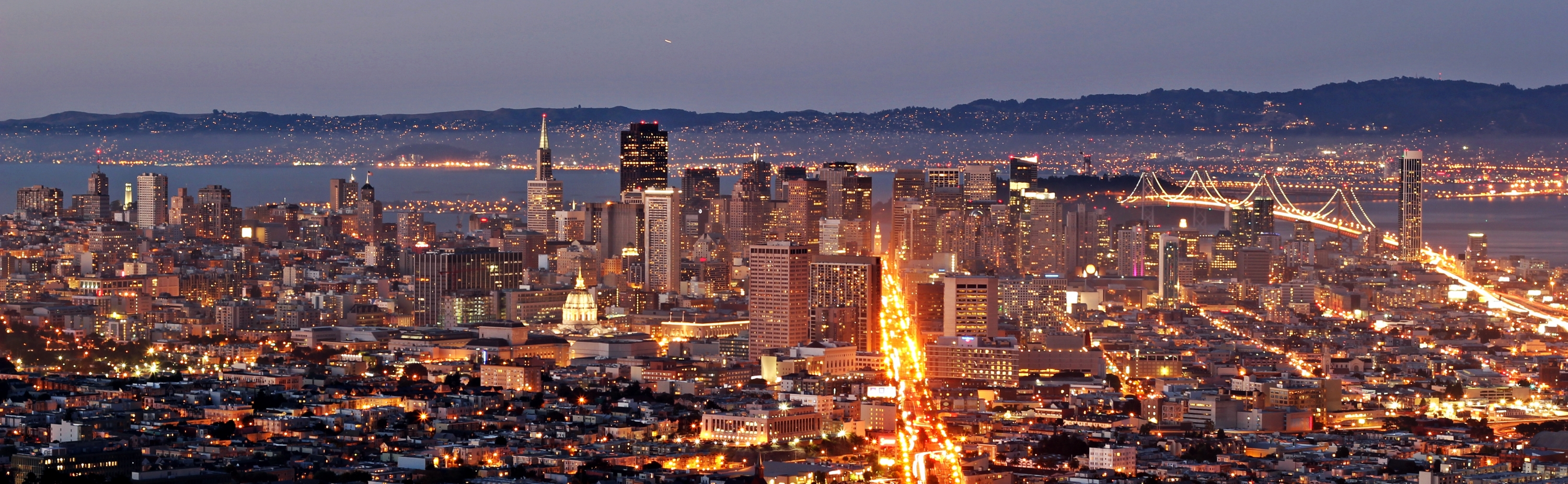 San Francisco downtown skyline at dusk