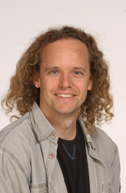 Prof. Chris Eliasmith (BASc 1994, MA 1995)