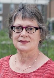 Photograph of Linda Warley.
