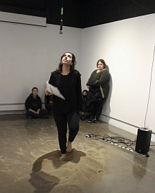 Jana Omar Elkhatib's performance in Artery gallery