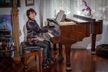 Zina Gimpelevich at piano
