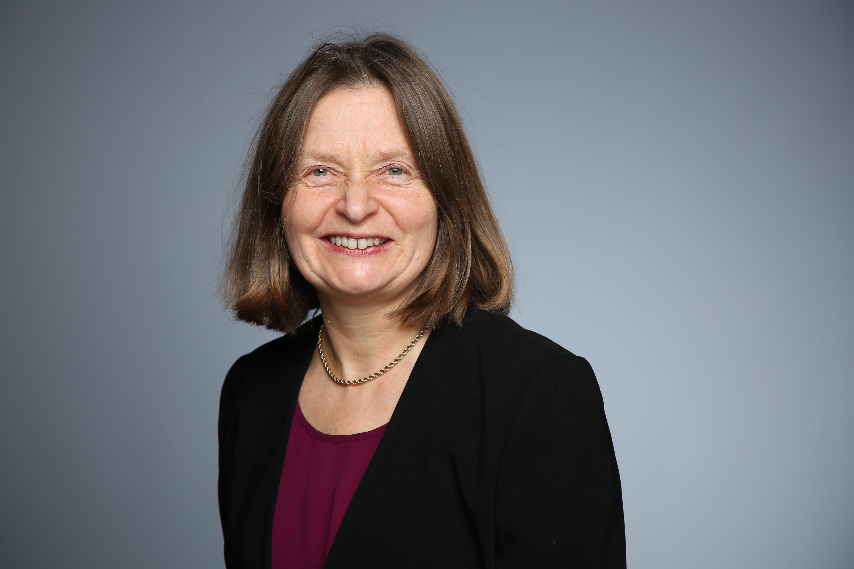 Alice Kuzniar