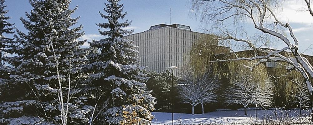 Winter 2020 image of Dana Porter library