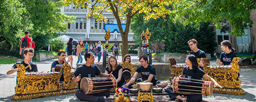 Gamelan uwaterloo rock garden concert