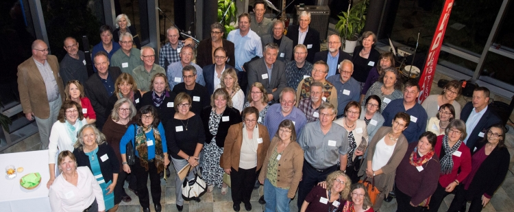 70's reunion group photo of the Grebel Alumni