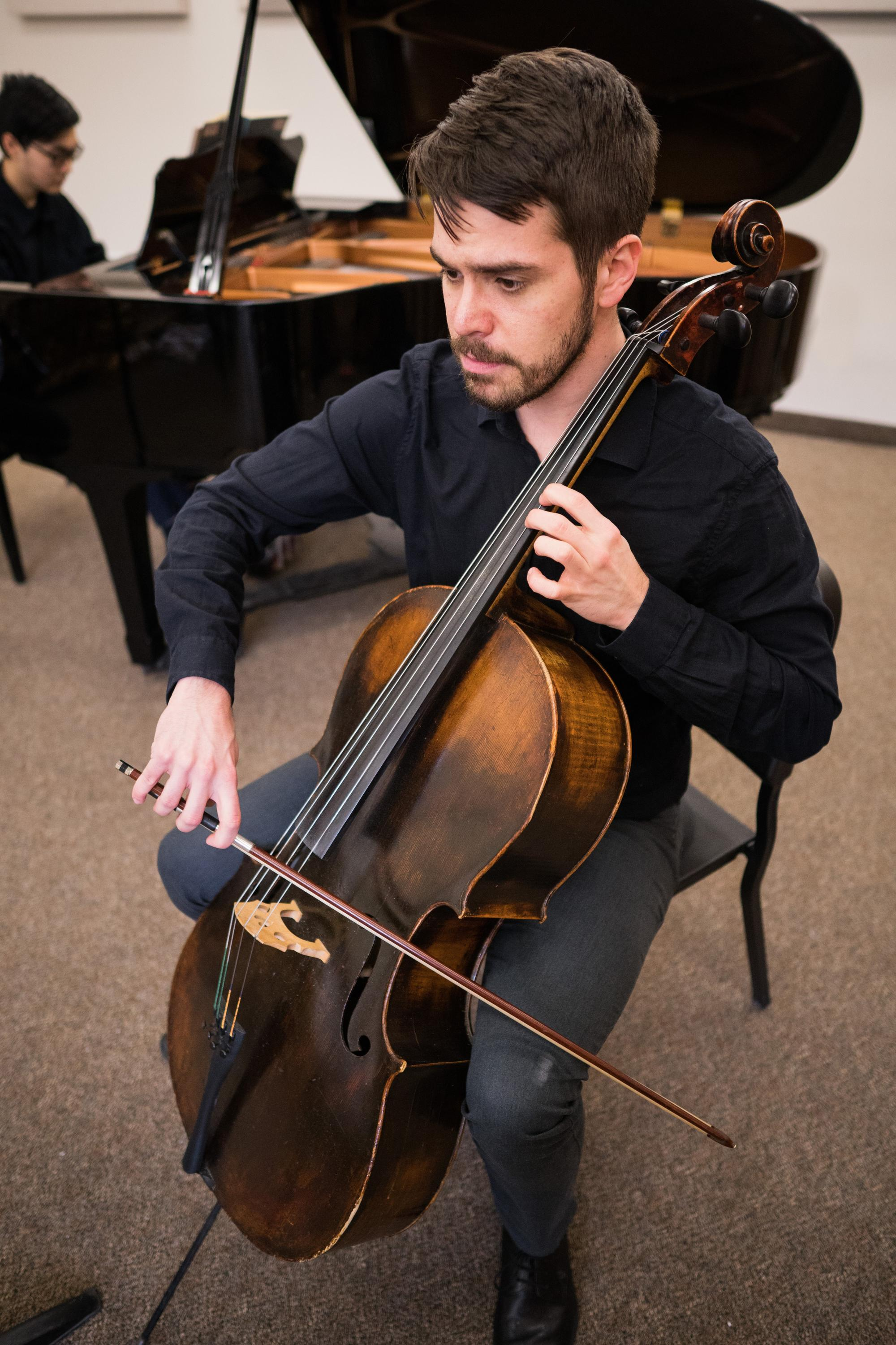 Sam Schirm, cello