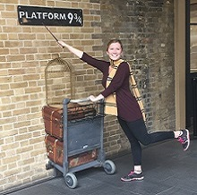 Tess at platform 9 and 3/4