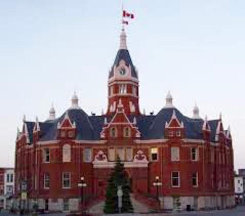 A front view of the Stratford City Hall building