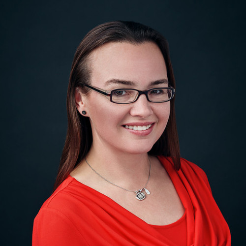 Headshot of University of Waterloo Funding Specialist and Business Developer, Carolyn Lee