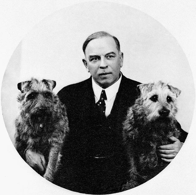 Rt Hon Mackenzie King with dogs Pat and Derry, 1938.