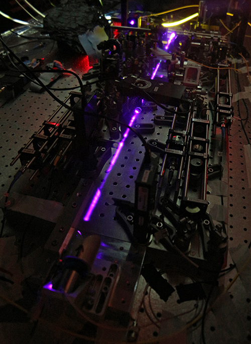 Laser set-up in the lab of Thomas Jennewein