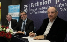 Waterloo and Technion representatives signing research partnership