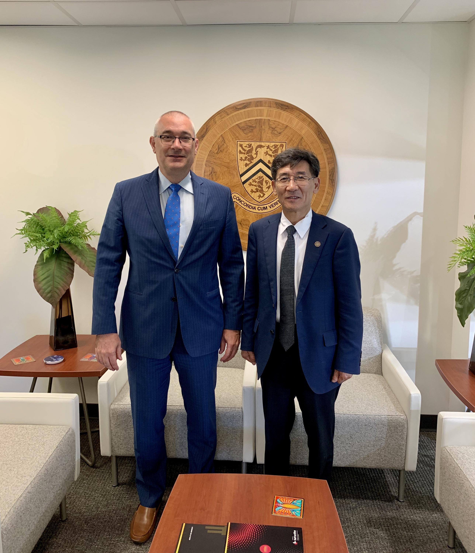 Tsinghua Vice-President visit