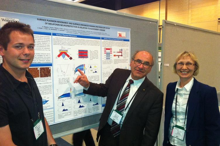 Florent and Dr. Leonenko discuss SPR and SERS data with Dr. Martin Moskovits at the Canadian Chemical Society Meeting in Quebec