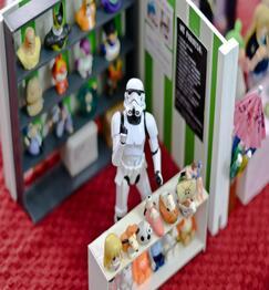 star wars figure at a market