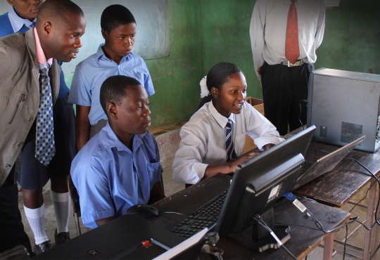 Students in Africa using the internet