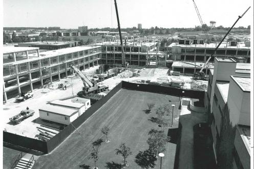 1986 Davis Centre construction photo
