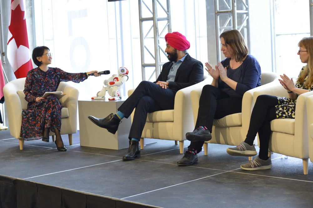 Panel discussion featuring Honourable Navdeep Bains, Minister of Innovation, Science and Economic Development