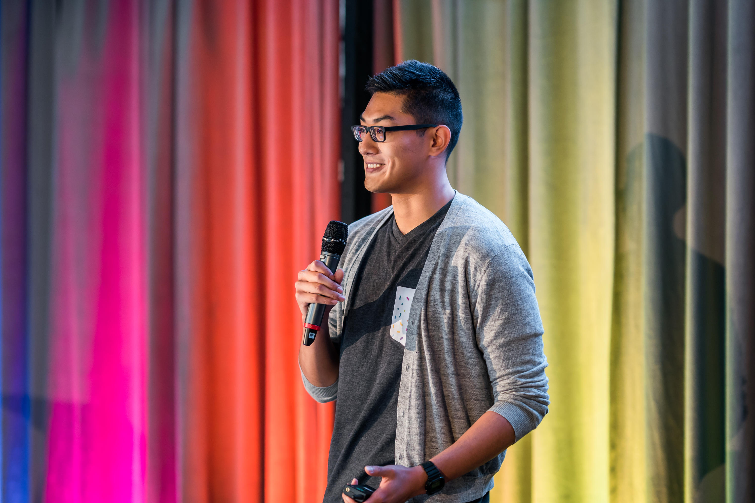 Flowy co-founder David Zhao presents at the Concept $5K final
