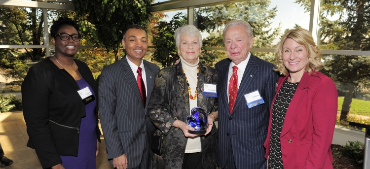 Ken and Marilyn Murray receiving Philanthropists of the Year award
